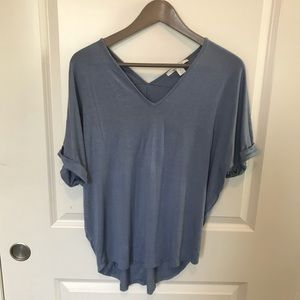 Tops - Flowing V-Neck T-shirt